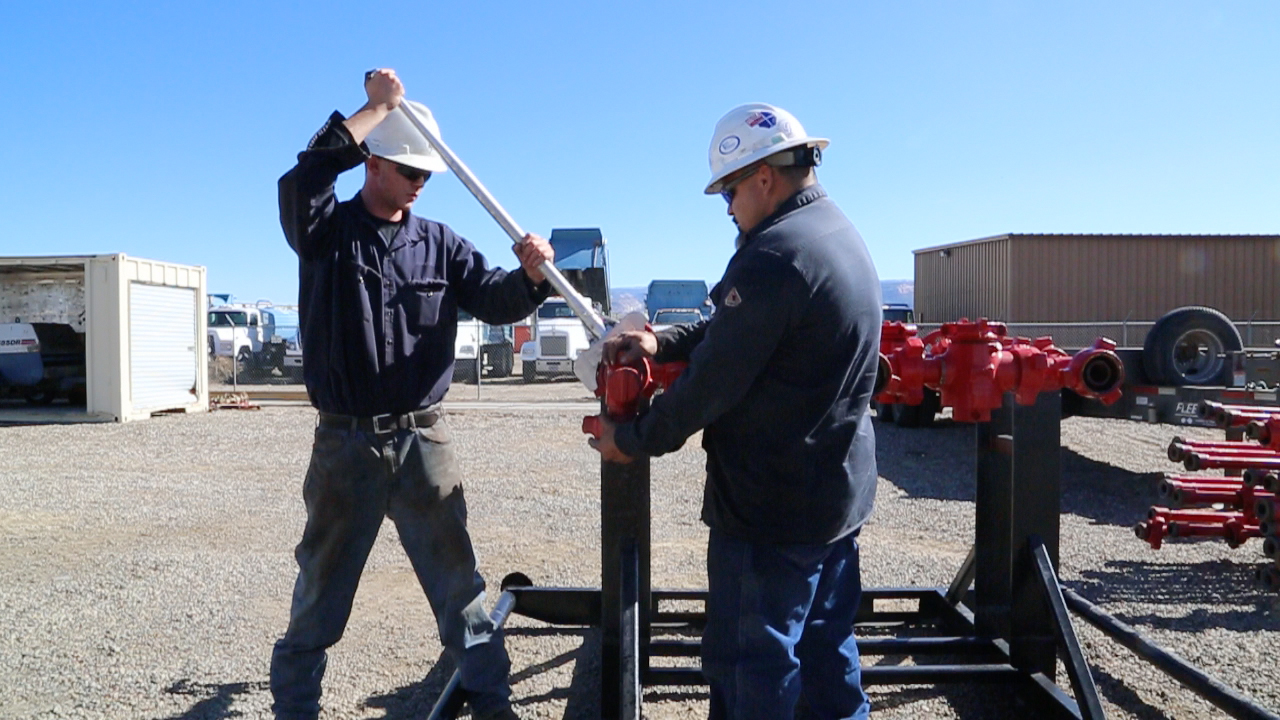 The Lift Wrench 714 for hammer unions | Mountain Valley Supply